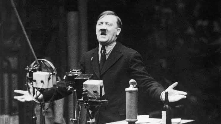 """Propaganda Dehası Joseph Goebbels İle Anılan """"Büyük Yalan Teorisi"""" Nedir?"""