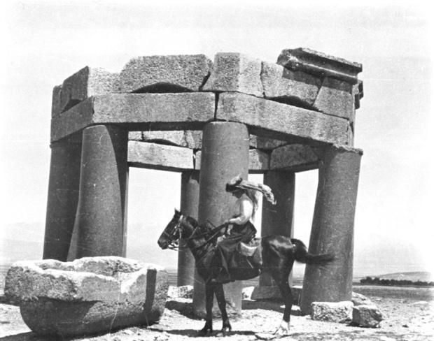 Ortadoğu'nun Sınırlarını Çizen Kadın: Çöl Kraliçesi Gertrude Bell
