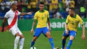 بيرو تفوز على البرازيل في الدقائق الأخير بهدف قاتل