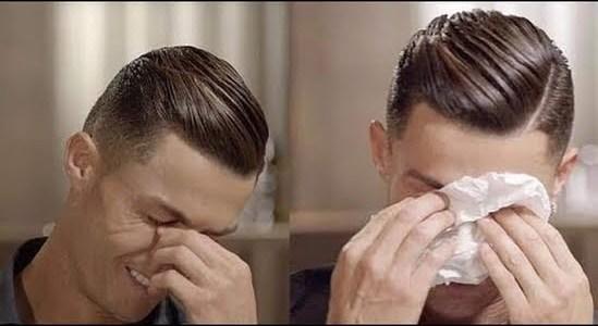 كريستيانو رونالدو يبكي على الهواء بسبب فيديو عن والده