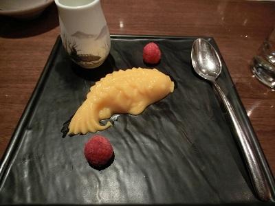 デザートのマンゴプリン