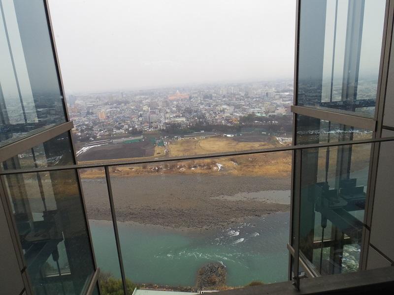 21階から外を眺めるとこんな感じ・・・