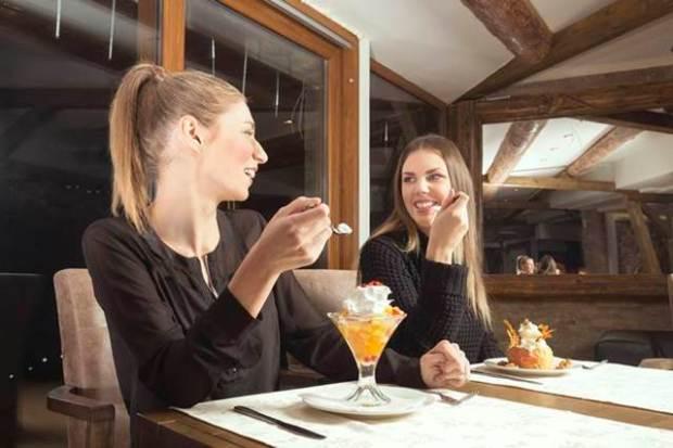 mujen restoran devojke