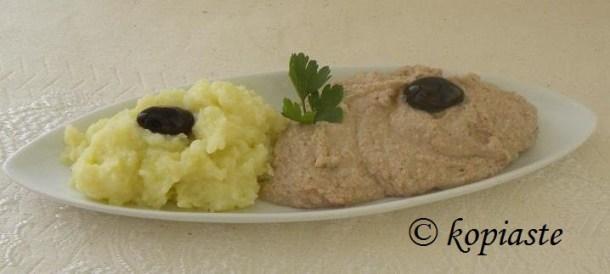 Σκορδαλιά με πατάτα και με καρύδια φωτογραφία