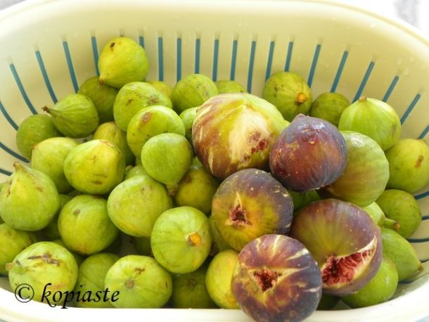 Ripe and unripe figs