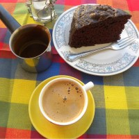 Σοκολατένιο Κέικ Με Τζίντζερ και Πετιμέζι