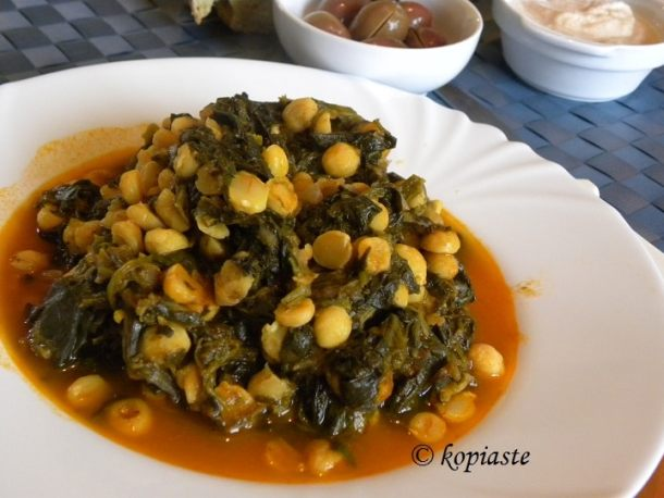 stewed chickpeas with spinach