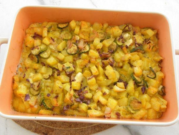 Φριτάτα με πατάτες και κολοκυθάκια εικόνα