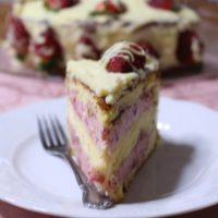 Τούρτα Φράουλας με Βουτυρόκρεμα Λευκής Σοκολάτας