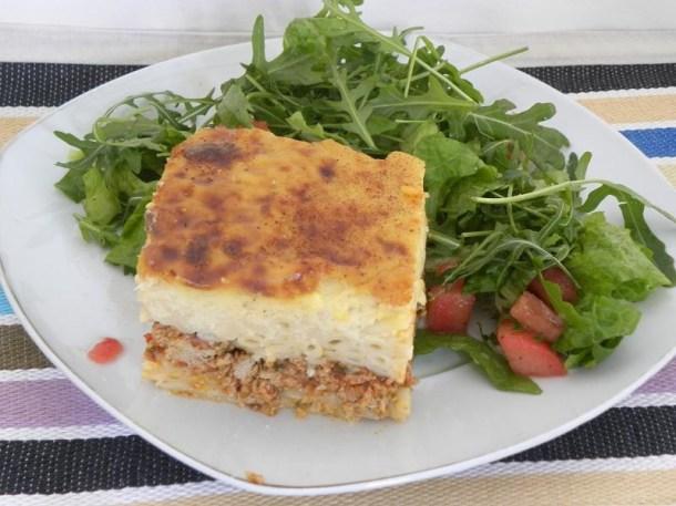 παστίτσιο με σαλάτα ρόκα εικόνα