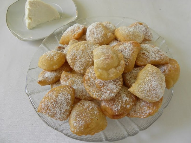 Bourekia me Freskia Anari - Pastries with Fresh Anari Cheese