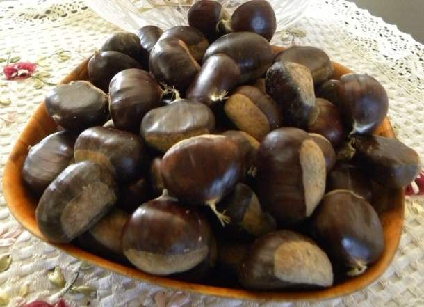 Chestnuts in a bowl image