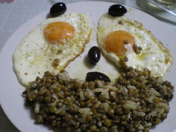 Fakes lentils clown image