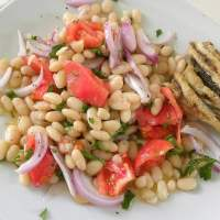 Fassolia Piaz (Greek White Beans Salad)
