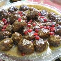 Keftedes me Rodi (Meatballs in Pomegranate Sauce)