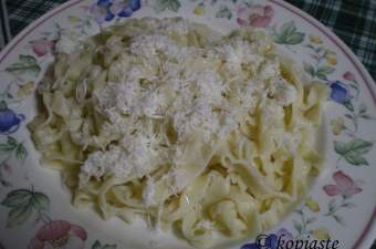 makarounotes-hilopites-with-cheese