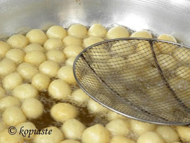 loukoumades preparation image