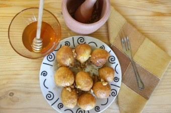 loukoumades with honey and walnuts image