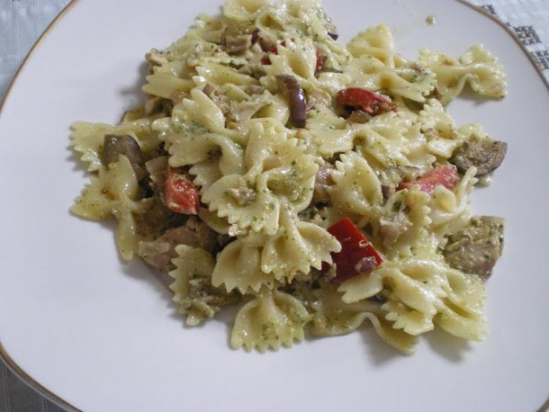 farfalle with purslane pesto image