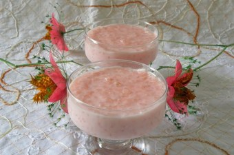 Pink rice pudding rosotto image