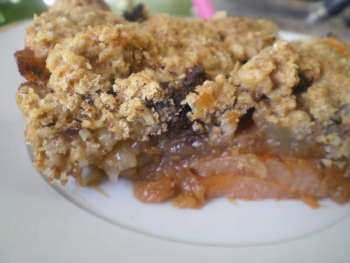 autumn fruit crumble image