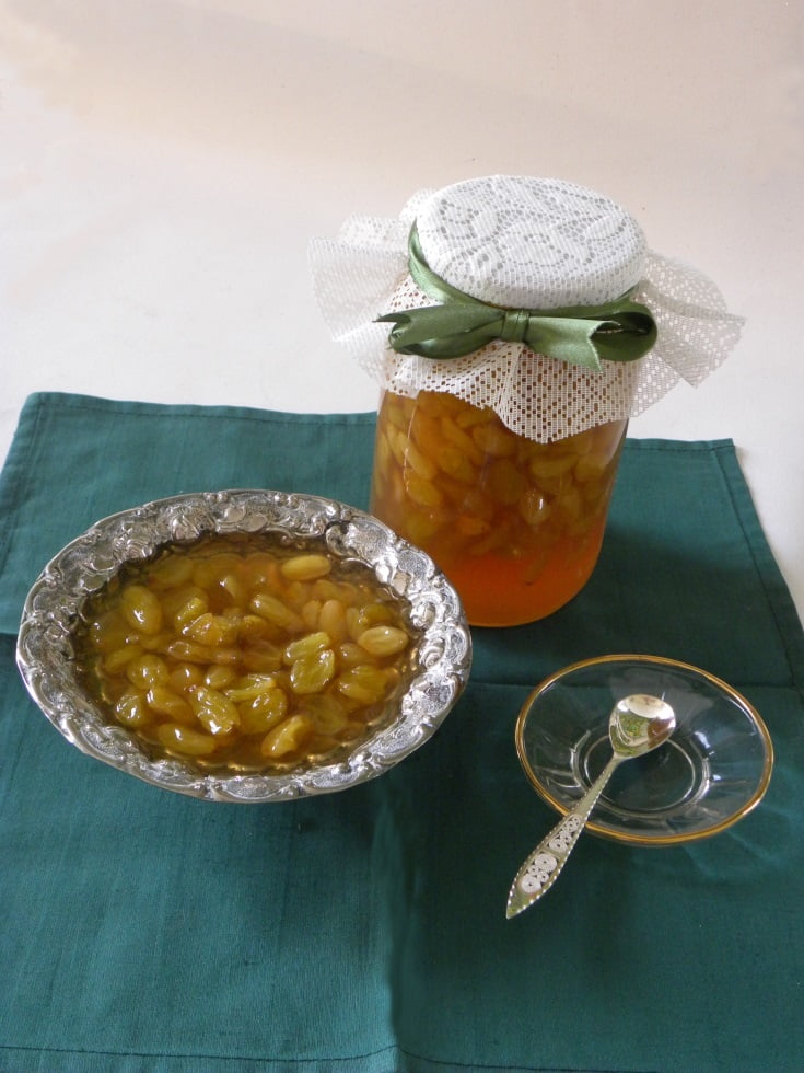 Glyko Stafyli (Grape Preserve)