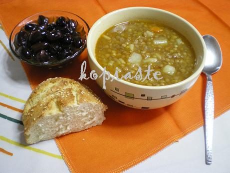 Fakes Soupa (Greek Lentil Soup)