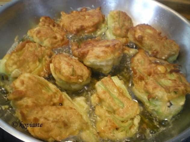 Frying stuffed zucchini