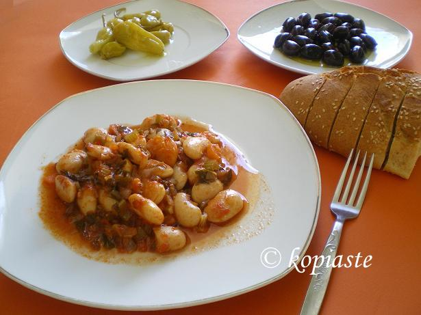 Gigantes Plaki Sto Fourno Baked Giant Beans Kopiaste