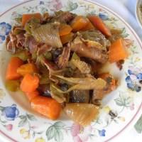 Agriogourouno sti gastra – (Dutch Oven Roasted Wild Boar)