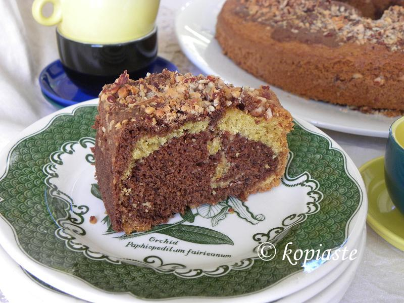 The perfect Marbled Chocolate-Bergamot-Almond Cake