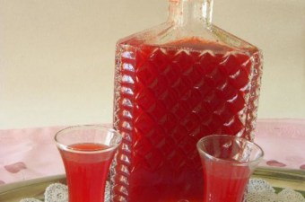 Strawberry Liqueur photo