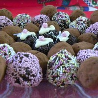 Easy Chocolate Truffles from Christmas Leftovers