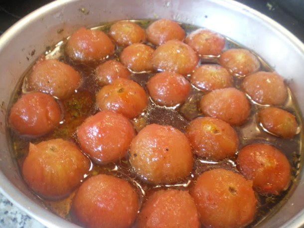 Cherry tomatoes baked image