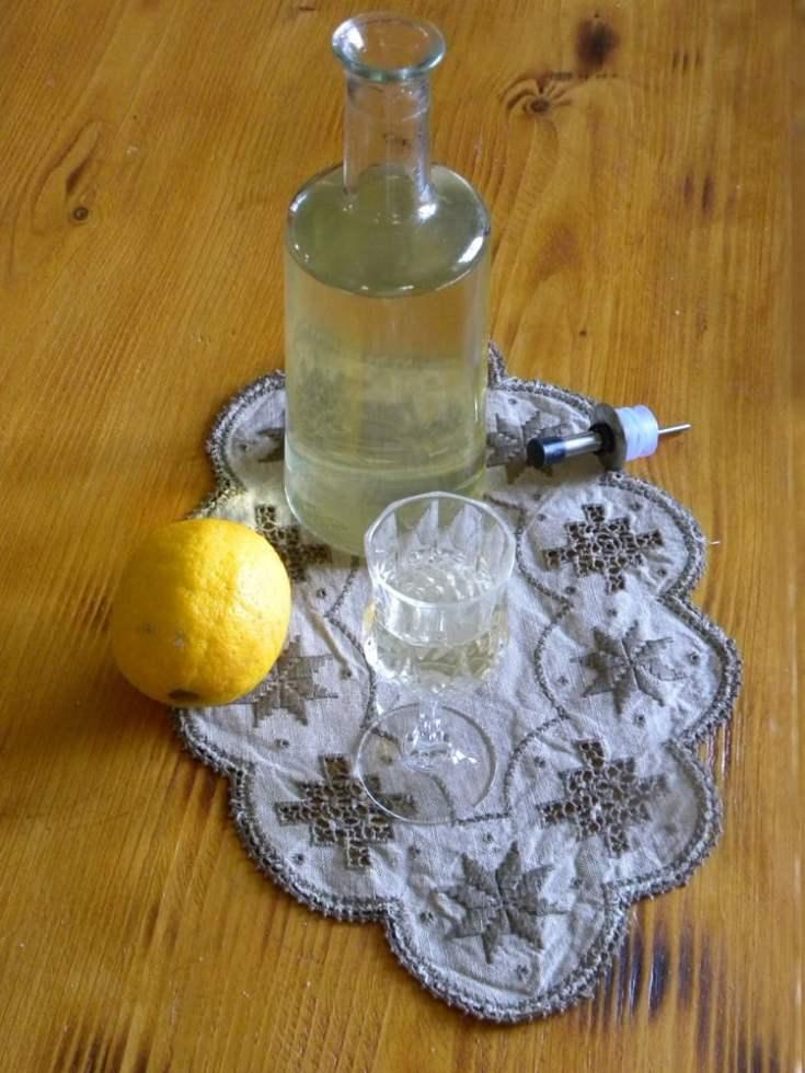 Limoncello with Tsipouro (Lemon Liqueur)
