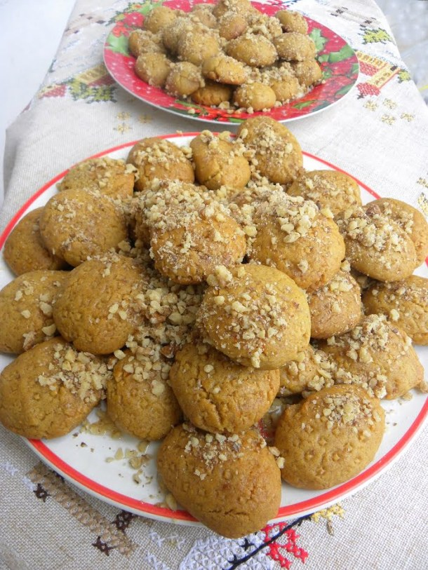 Melomakarona with ginger and dates image