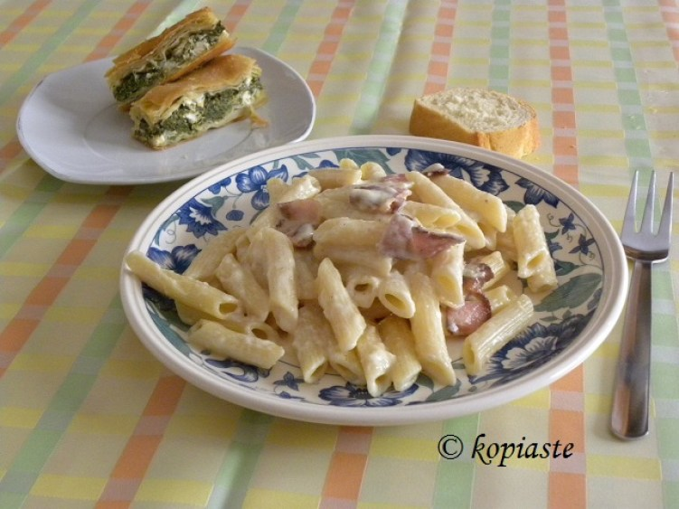 carbonara four cheeses and bacon