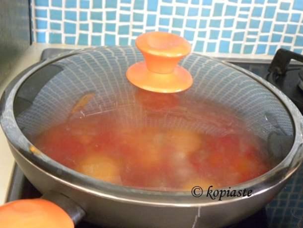 Kagianas with lid on image