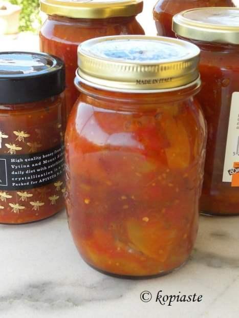 Tomato and fruit chutney