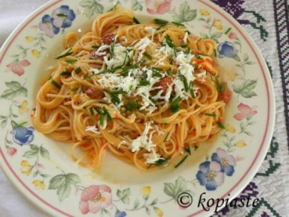 spaghetti with buffalo cheese and sausages