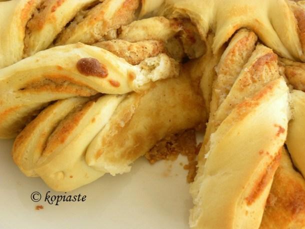 Cutting tahinopsomo tahini bread