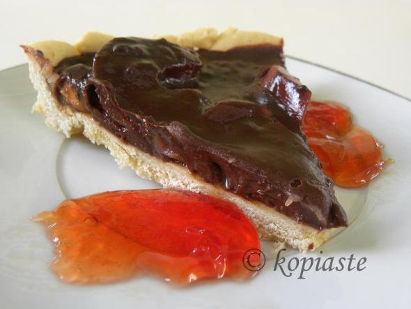 Chocolate and quince tart with quince jelly
