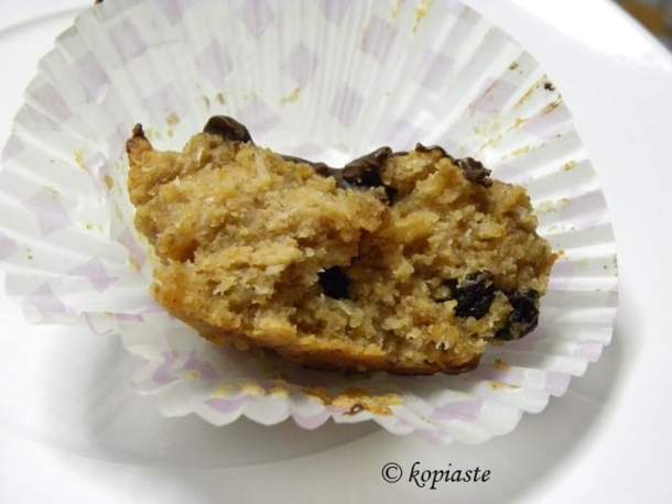 muffins with peanut butter and raisins inside