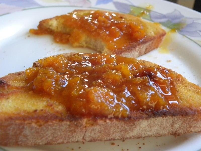 Toasted Bread with Mandarin marmalade