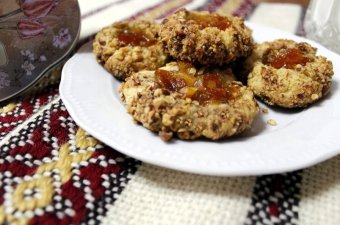 Almond Thumbprint Cookies cookies image
