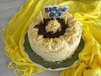 white chocolate mocha cake image