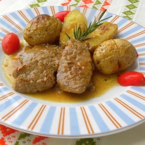 Moschari Lemonato (Lemony Veal)