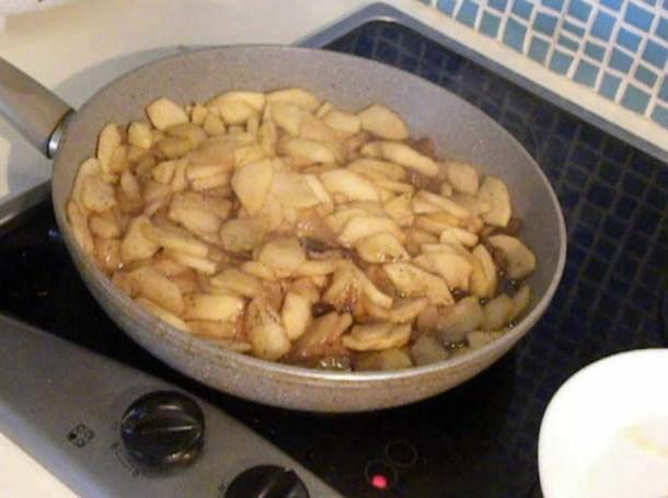 Apple pie filling image