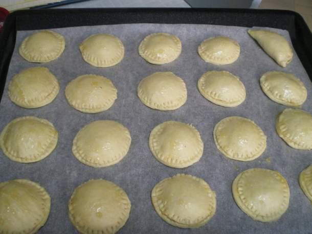 Mini-apple-pies-image