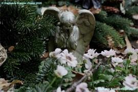 Friedhof_weinender_Engel_Raphaela_Kopper-Zisser_2020